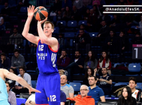Euroleague : Anadolu Efes - Barcelona Lassa : 83 - 107